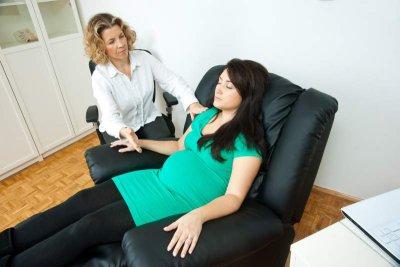 Trance kann Schmerzen während der Schwangerschaft lindern.