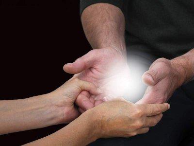 Kalte Hände als Anzeichen einer Durchblutungsstörung