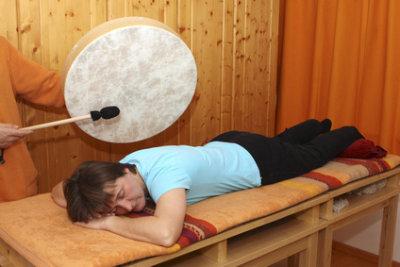 Klangtherapie mit Trommel