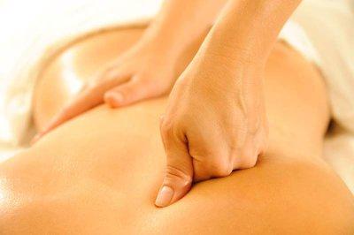 Triggerpunkttherapie mit den Händen