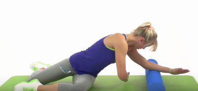 Meerjungfrau Training Schritt2 auf Gymnastikmatte