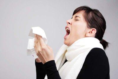 Niesen als Symptom einer Allerge
