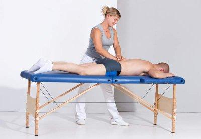 Vorbereitung auf Massage mit Saugglocke