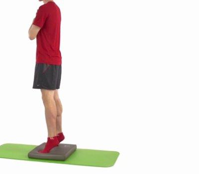 Sensormotorik Fußtraining Airex Balance Pad Schritt1