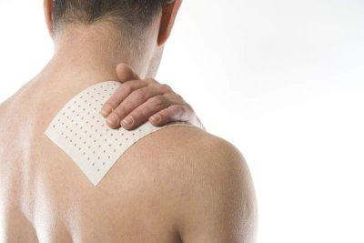 Wärmepflaster bei Nackenverspannung